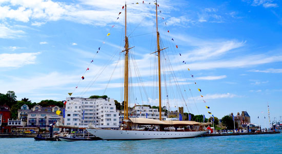 Cowes Harbour Discovery Trip Boat Club Trafalgar